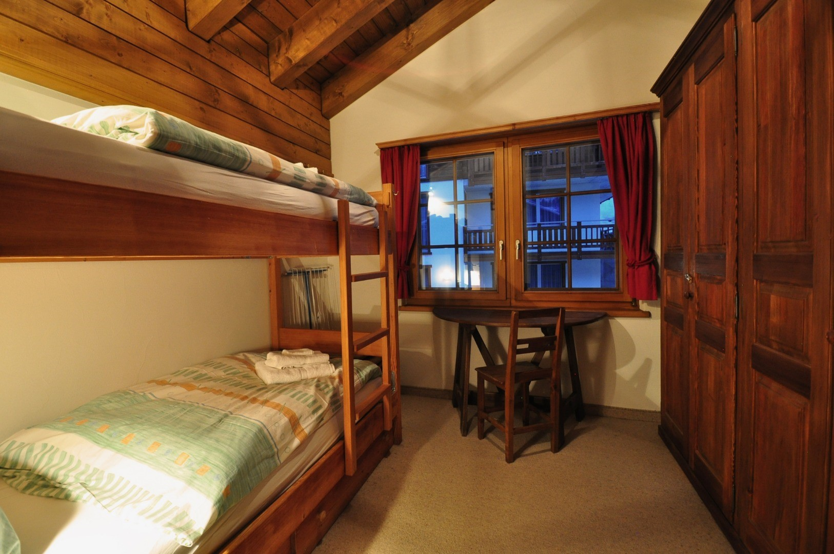 ZermattCervinoBedroom2.jpg