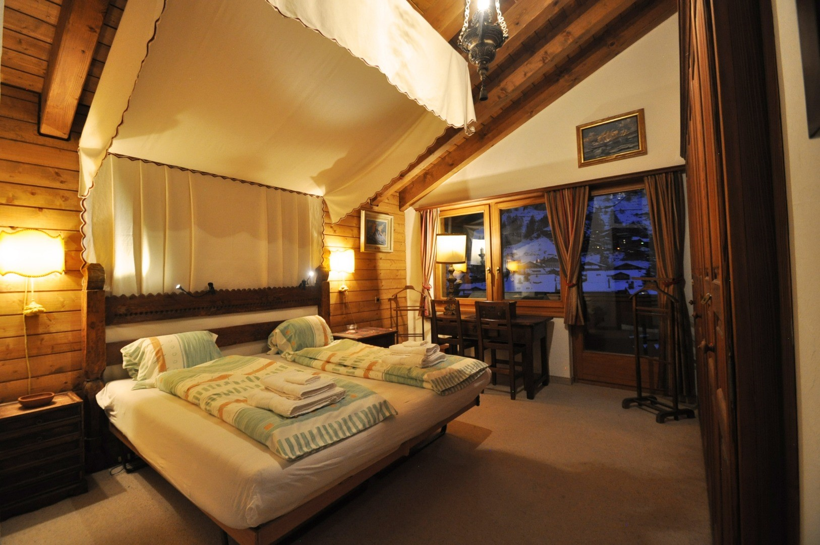 ZermattCervinoMasterBedroom1.jpg