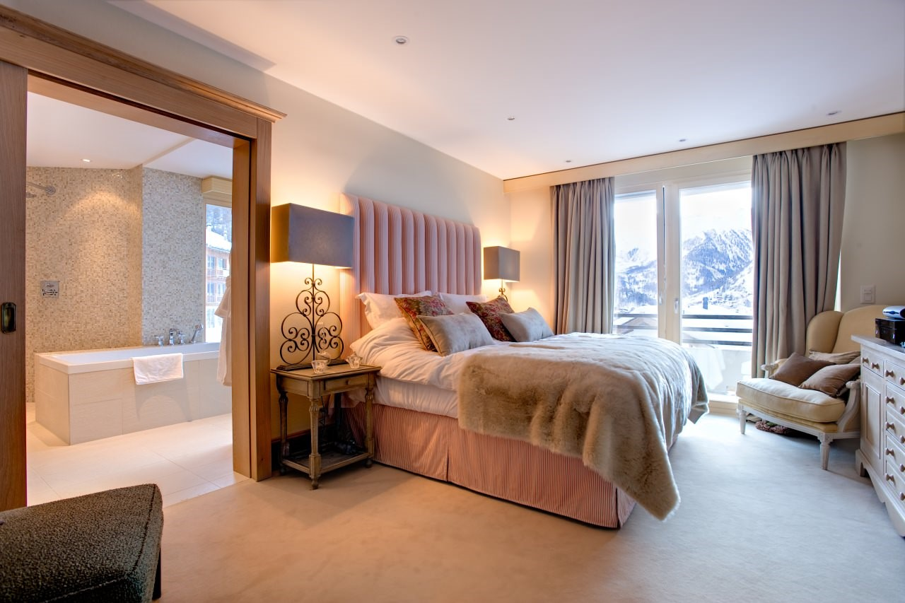 ChaletGracebedroom_411.jpg